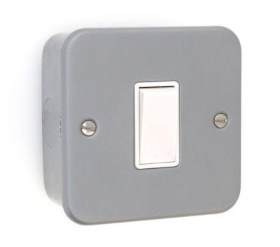 metal-clad-light-switch-1-gang