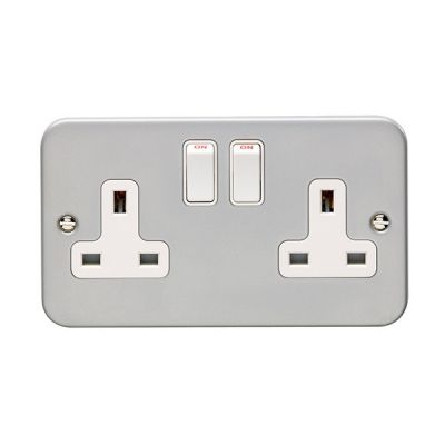 metal-clad-switched-socket-double